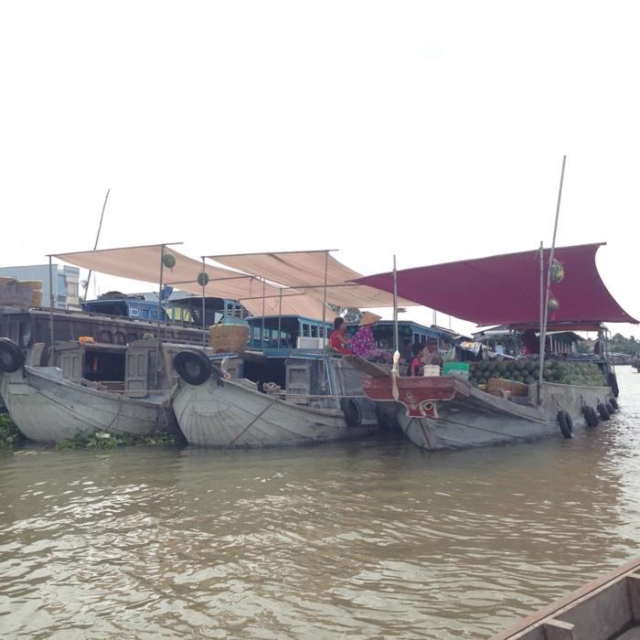www.singapbyart.com-can-tho-cai-rang-floating-market.jpg