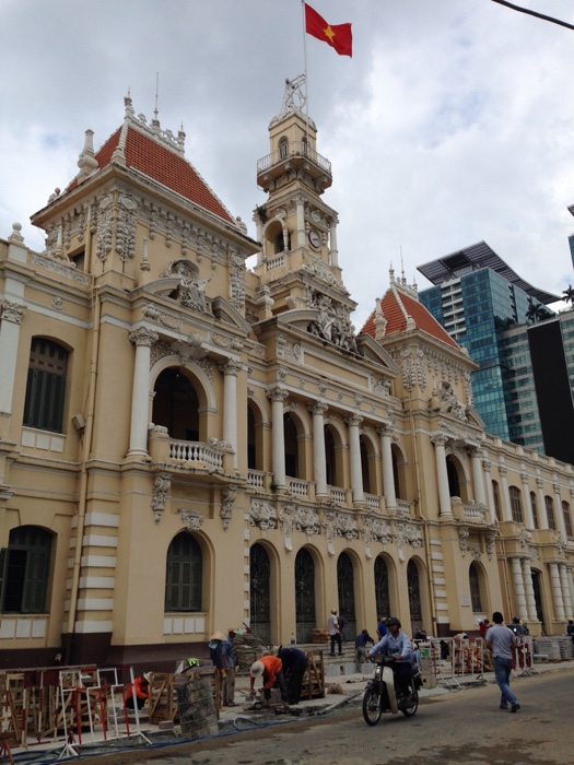 www.singapbyart.com-ho-chi-minh-city-saigon-city-hall.jpg