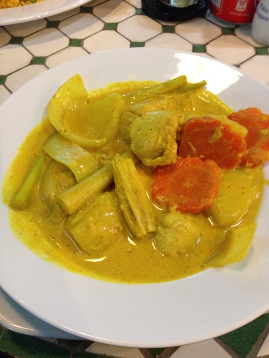 www.singapbyart.com-ho-chi-minh-city-saigon-food-chicken-curry.jpg
